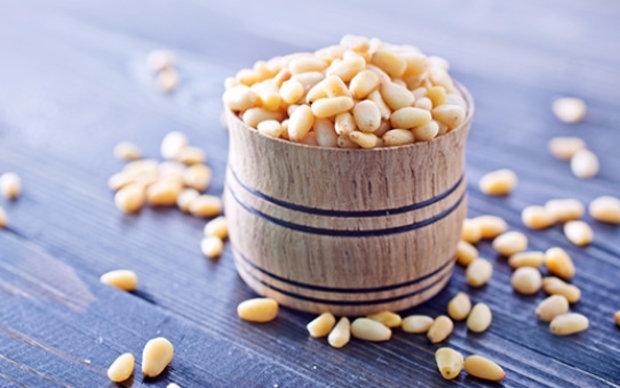Кедровые орехи при беременности: польза и вред, противопоказания, рекомендации по выбору и хранению, особенности употребления