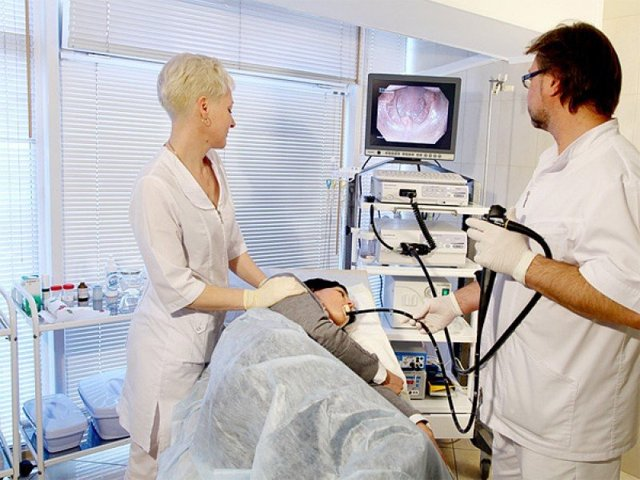 Рвота с кровью при беременности: причины, первая помощь, лечение, профилактика