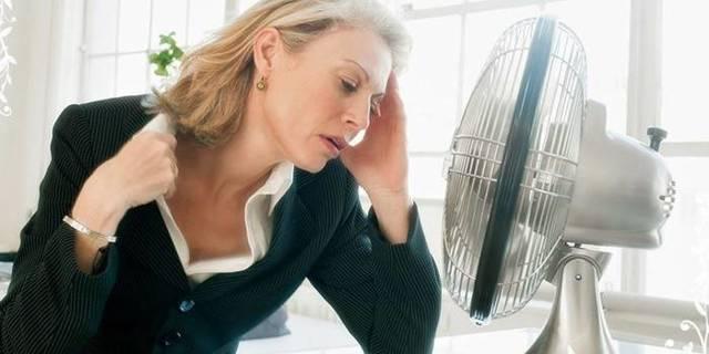 Сухость влагалища при климаксе: причины, симптомы, лечение
