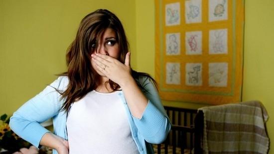 Горечь во рту при беременности: симптоматика, причины, как убедиться, что нет угрозы ребенку, способы решения проблемы