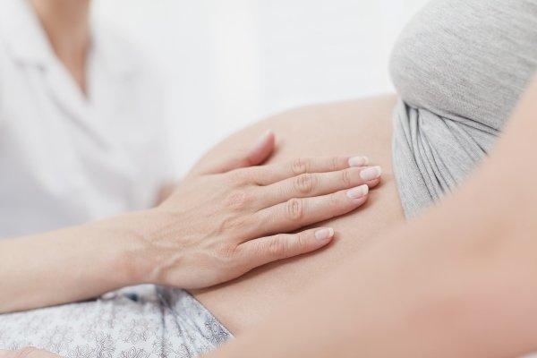 Жидкий стул при беременности: причины, симптомы и терапия
