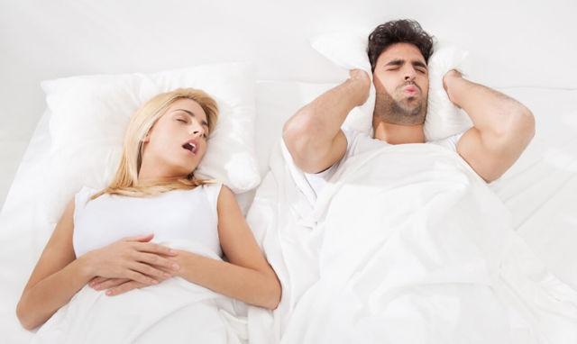 Бессонница при климаксе: причины и методы борьбы с ней