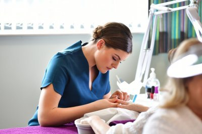 Можно ли наращивать ногти при беременности: разрешено ли наращивать ногти, какие материалы самые безопасные