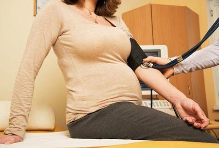 Низкое давление при беременности: особенности течения беременности, причины и симптомы, опасность, лечение и профилактика
