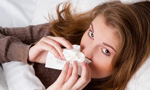 Насморк при беременности: причины, симптомы, опасность, медикаментозное и народное лечение, профилактика