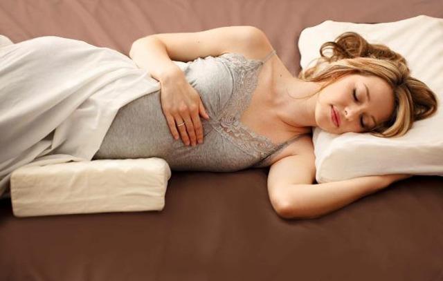 Кровь в моче при беременности: причины, лечение