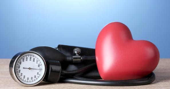 Высокое давление при беременности: причины, симптомы, опасность для матери и малыша