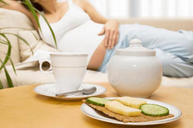 Нет аппетита при беременности: причины, лечение