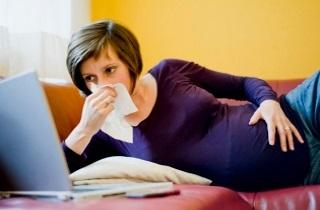 Зеленые сопли при беременности: причины, лечение