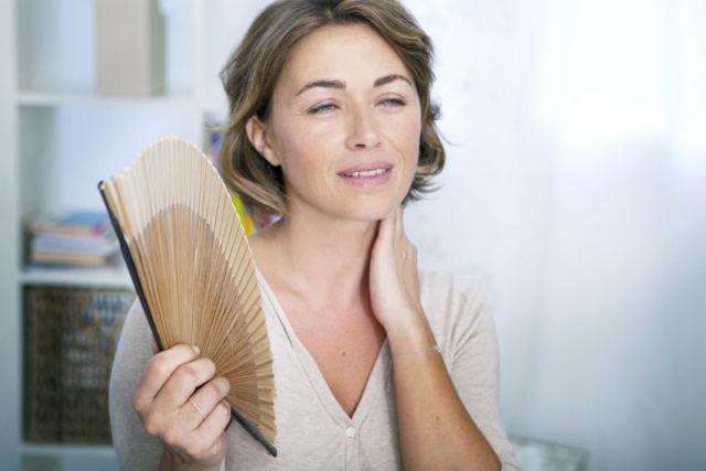 Боли при климаксе: почему возникают и как с ними бороться?