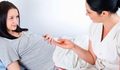 Плохой анализ мочи при беременности: причины, бактерии, белые хлопья, ацетон, соли, кровь, сахар, лечение