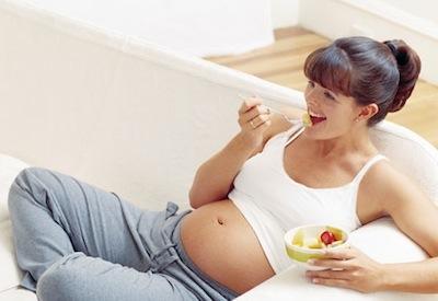Чеснок при беременности: можно ли, польза, вред, количество, появление изжоги