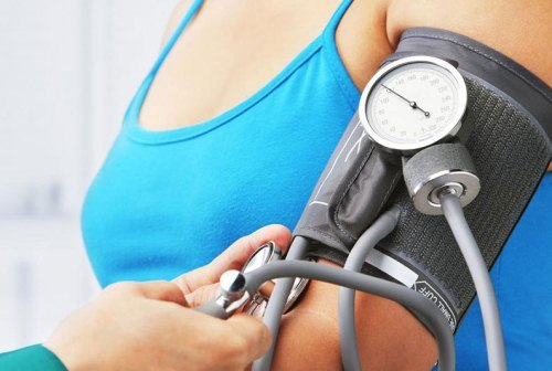 Спазмы внизу живота при беременности: причины, лечение, профилактика