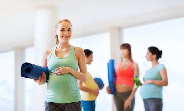 Можно ли приседать во время беременности: показания, противопоказания