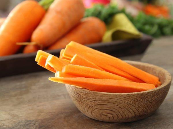 Морковь при беременности: показания, польза