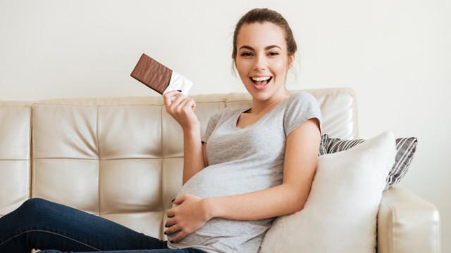 Шоколад при беременности: почему хочется, можно ли есть, в каком количестве, польза, вред, противопоказания
