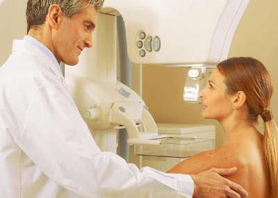Болит грудь при овуляции: в чем причина и как убрать боль?