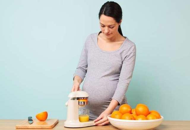 Хочется сладкого при беременности: почему, вред, польза, сколько можно, чем заменить, связь с полом
