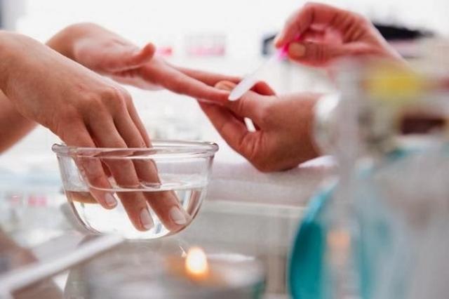 Можно ли делать шеллак при беременности: преимущества, состав, мнения врачей.