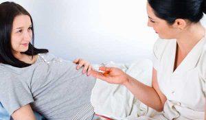 Стафилококк при беременности: опасные виды, методы диагностики, лечение, опасность для матери и плода, профилактика
