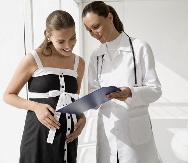 Каких врачей нужно пройти при беременности: список