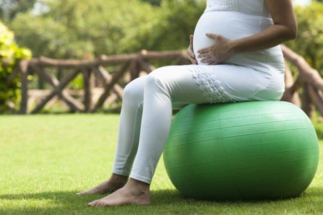 Вздутие живота при беременности: причины, лечение