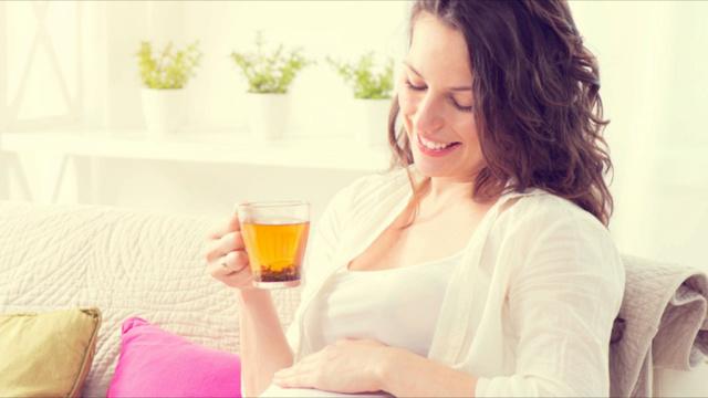Сколько пить воды при беременности: нормы, показания