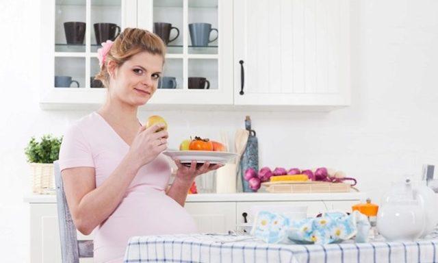 Хурма при беременности: польза и вред