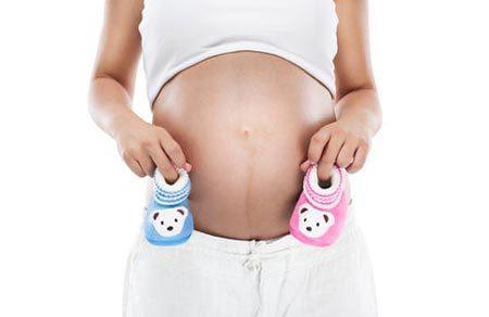 Беременность девочкой: особенности, приметы