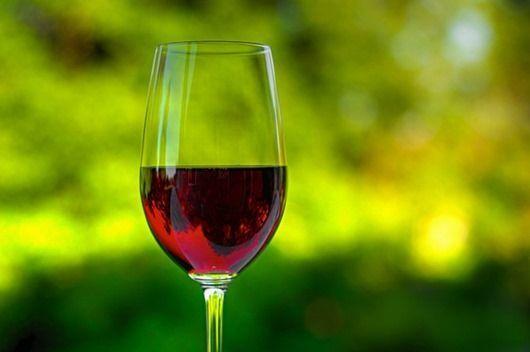 Красное вино при беременности: польза, вред, ограничения