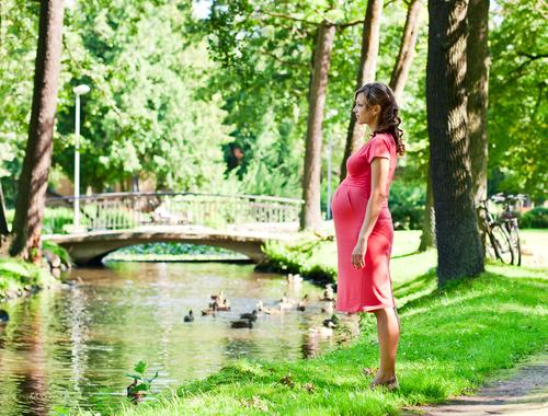 Ходьба при беременности: показания, противопоказания