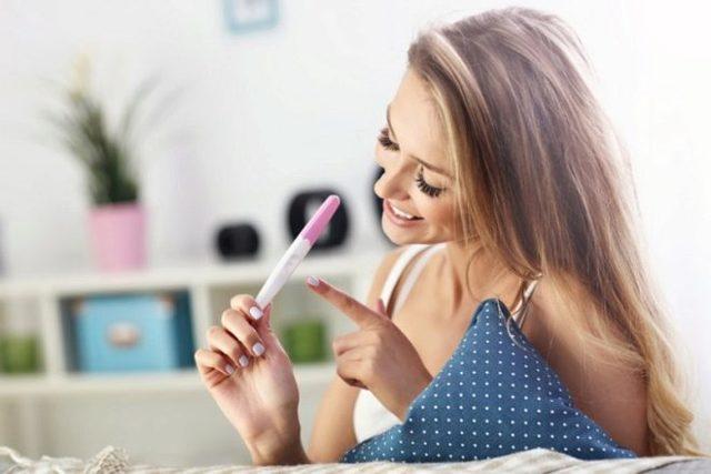 С какого срока показывает тест на беременность: отчего зависит правильность результата, лучшие тесты